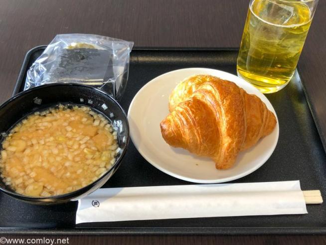 羽田空港 JAL DIAMOND PREMIER LOUNGE 今日のお昼ご飯