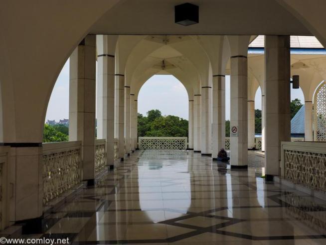 """通称""""ブルーモスク"""" (スルタン・サラディン・アブドゥル・アジズ・モスク )(Sultan Salahuddin Abdul Aziz Mosque)"""