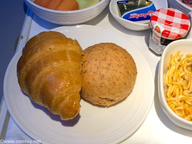 マレーシア航空 MH726 ジャカルタ - クアラルンプール ビジネスクラス 機内食