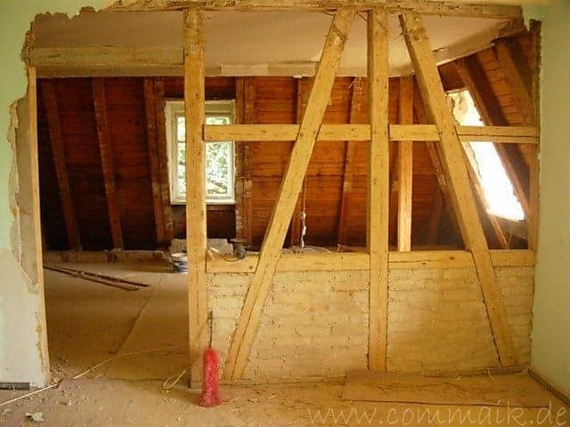 Entkernen des Wohnzimmers  Trockenbauvorbereitungen  commaik