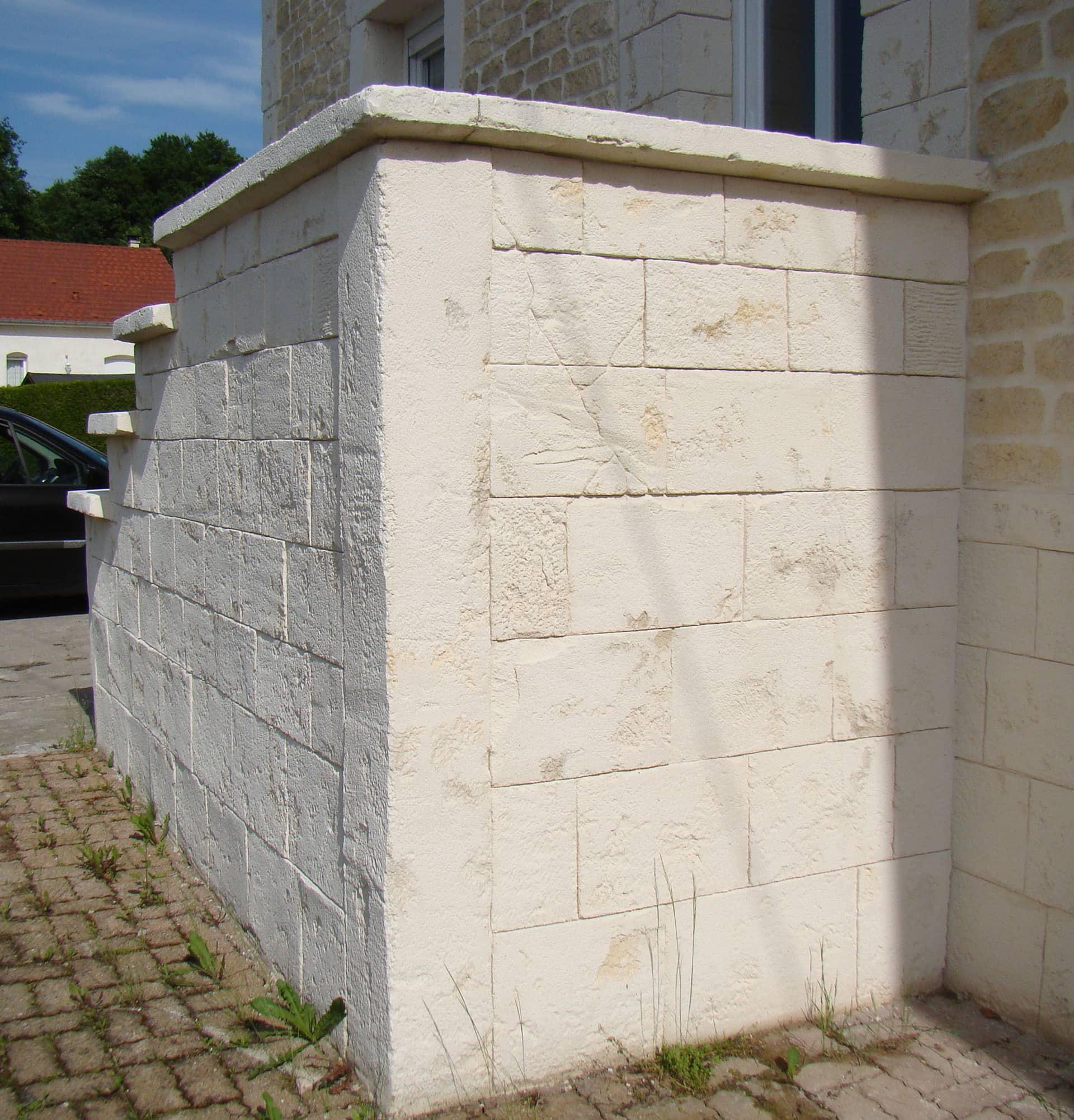 décoration pierre de taille ton pierre sur descente d'éscalier
