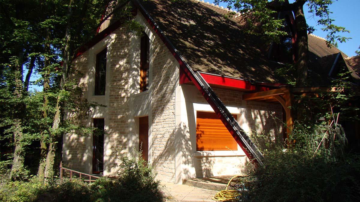 ravalement façade maison architecte Nancy avec un décor imitation pierre