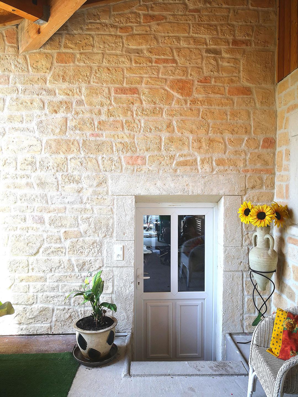 decoration-fausse-pierre-intérieur-veranda