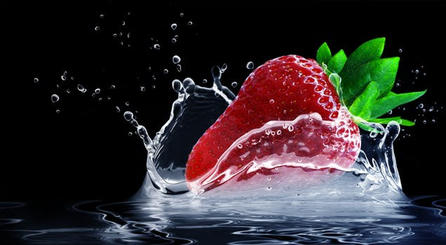 strawberry-water-splashes-splash-drop-of-water-407040.jpeg