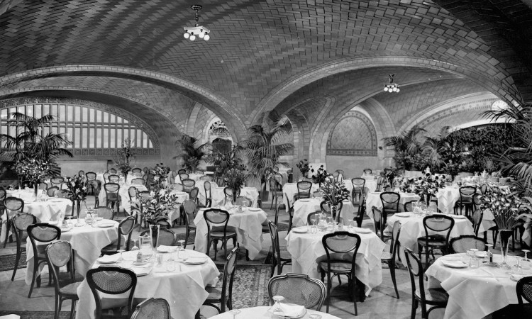 oyster-bar-at-grand-central-station.jpg