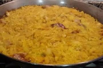Paella de bacalao, ajos, cebolla y pimentón 2