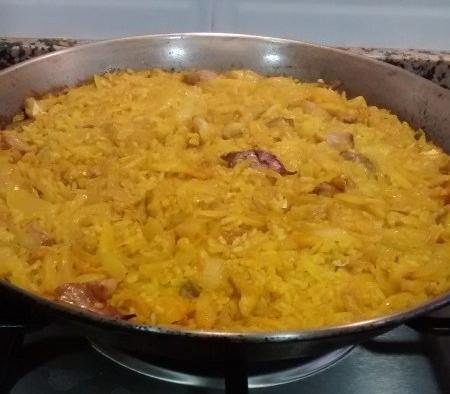 Paella de bacalao, ajos, cebolla y pimentón 1