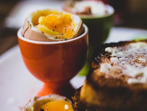 appetizer-boiled-eggs-bread-2402495.JPG