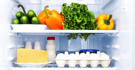 Interior de un frigorífico - No tiremos comida
