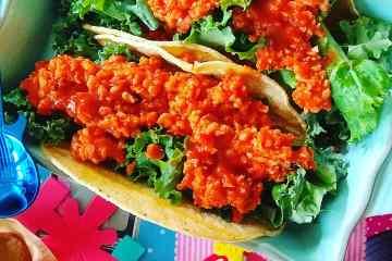 Tacos de soja texturizada a la barbacoa con kale y salsa picante 3