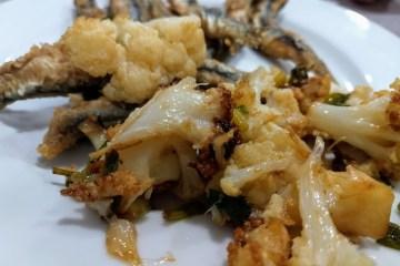 Coliflor frita con boquerones fritos 7