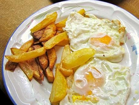 Huevos-fritos-con-patatas-1.jpg