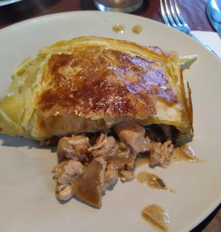 Pastel de pollo (Chicken pie)