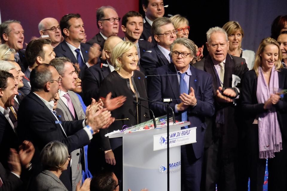 contacter le service client Marine Le Pen