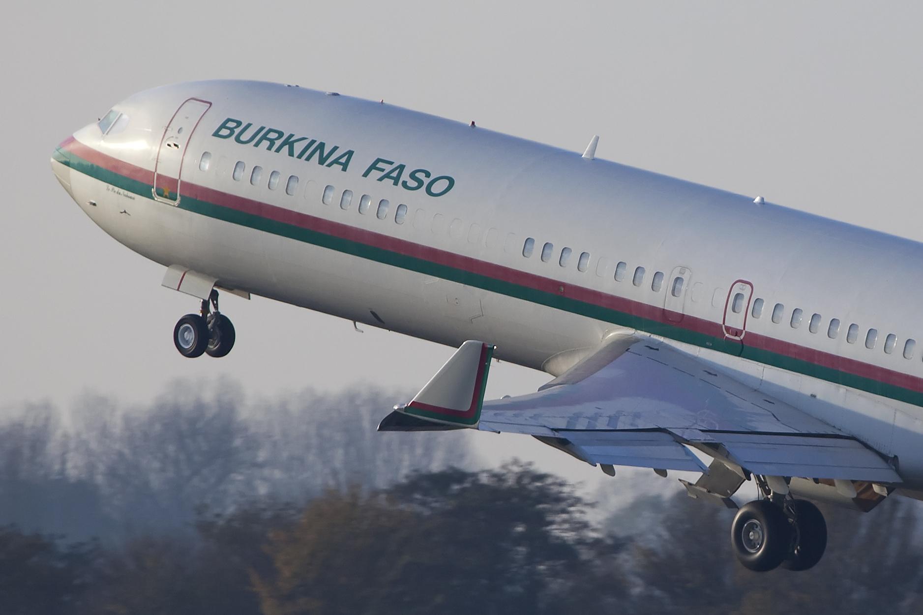 Contacter Air Burkina par téléphone, email ou en ligne