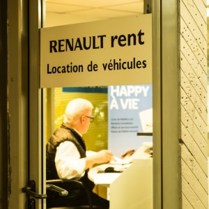 Comment contacter Renault-rent