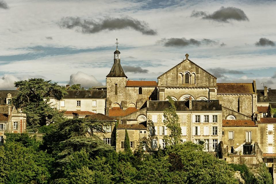 contacter le service client Free Poitiers