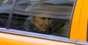 vieille dame taxi