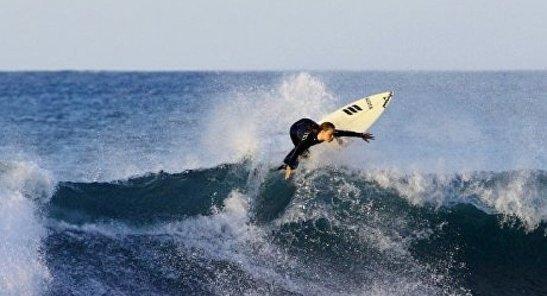 surfeur-meditation-vague-mindfulness