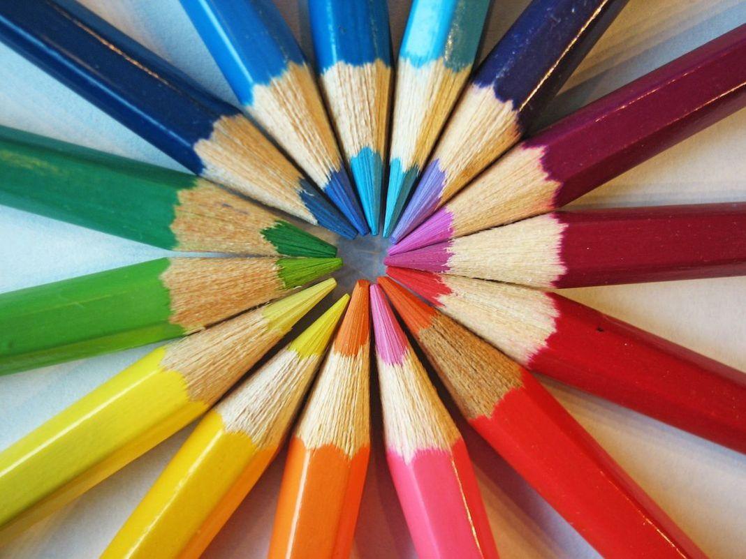 les couleurs dans un magasin pour stimuler l'acte d'achat