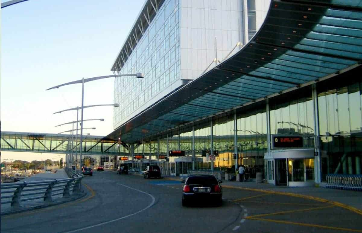 Rideshare Airport Pick-Up and Drop-Off: What Are The Rules?