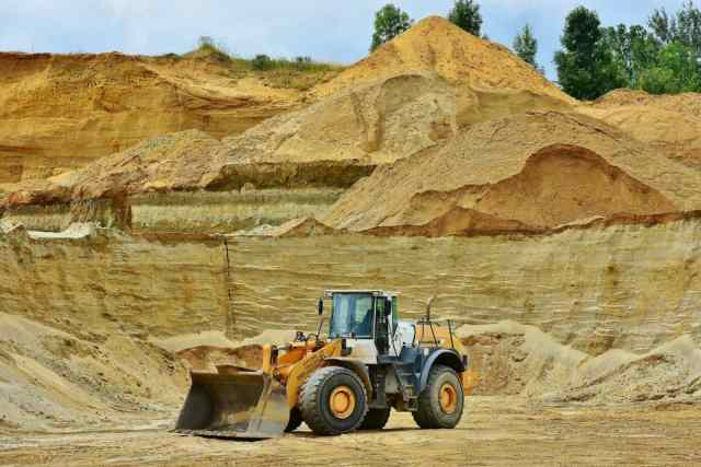 heavy equipment operator with a class 3 drivers license in a quarry