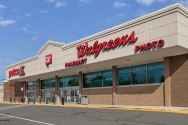 Vienna Shopping Center in Virginia Sells for $17M