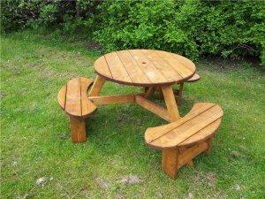 Pendragon Picnic Table