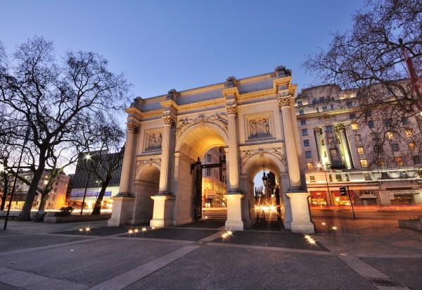 Property & Location - Commodore Hotel London