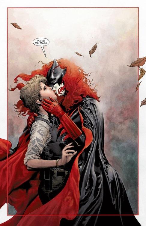 Batwoman Kiss