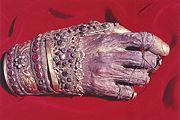 Mâna dreaptă a sfântului, la Mănăstirea Filotheu (Muntele Athos)