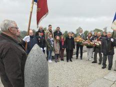 Cérémonie du 8 mai - Arrivée devant le monument aux morts