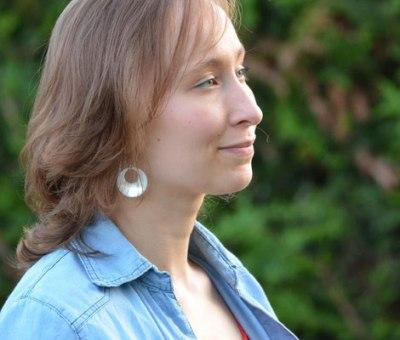 Laura Haas, chargée de communication