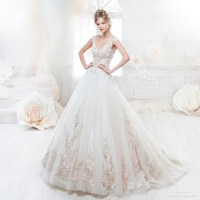 This gorgeous wedding dress from Colet featuring delicate ...