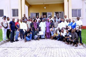 DVC (D) and top officers of the University in a group photograph with Professional Photographers after their Workshop
