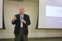 U.S. Rep. Kevin Brady discusses Medicare reform, advocacy issues with Methodist hospital officials