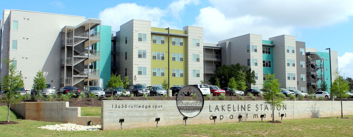 Lakeline Station Apartments