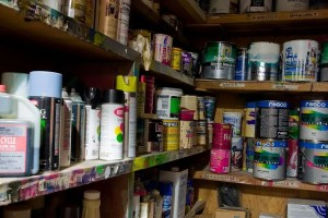 paint cans store