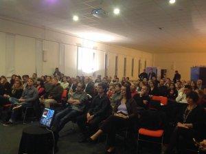 Le public de Ignite Dijon 2014. Un comen se cache dans cette image sauras tu le reconnaître ??!