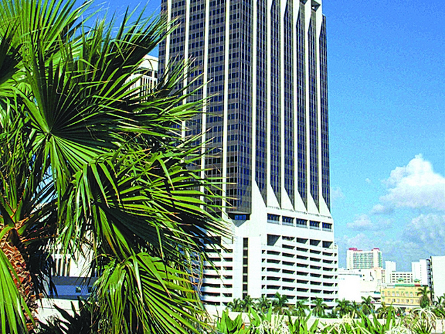 Renewals and expansions drive leasing at One Biscayne Tower
