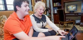 Students offer tech advice, tutoring to The Palace Coral Gables residents