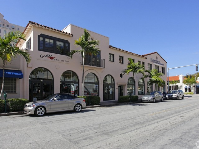 Avison Young completes $3 million sale of mixed-use building in Gables