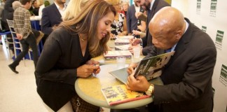 Congressman John Lewis discusses Civil Rights movement with students
