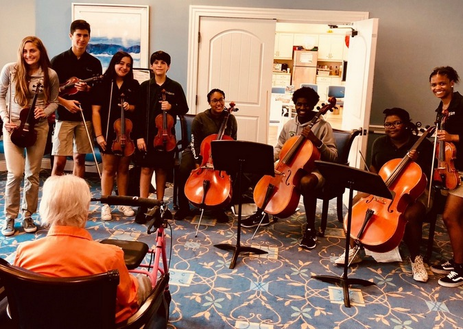WCS Heartstrings treats East Ridge residents to a musical performance