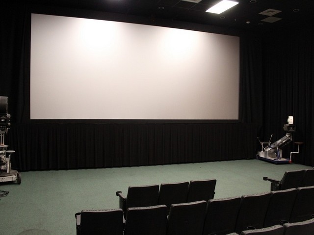 Gables Art Cinema unveils new projection screen, technology