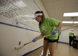 FPL volunteers give facelift to Richmond-Perrine Optimist Club