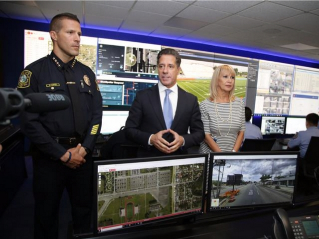M-DSPD offers behind-the-scenes tour of Police Command Center