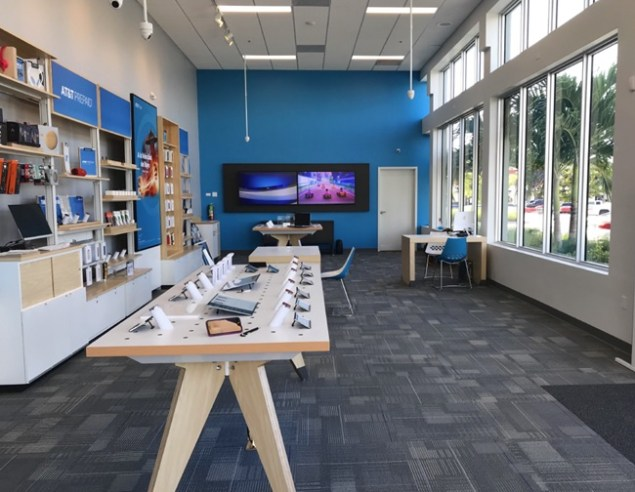 New AT&T store opens at Point Royale Shopping Center on S. Dixie Highwy