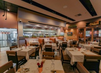 Chef Adrianne's Vineyard Restaurant & Bar reopens in The Palms at Town and Country