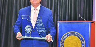 Dr. Eduardo Padrón receives the 2020 outstanding Floridian Award